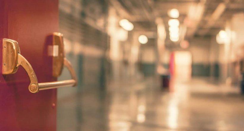 hospital-door-349807_1920-pixabay