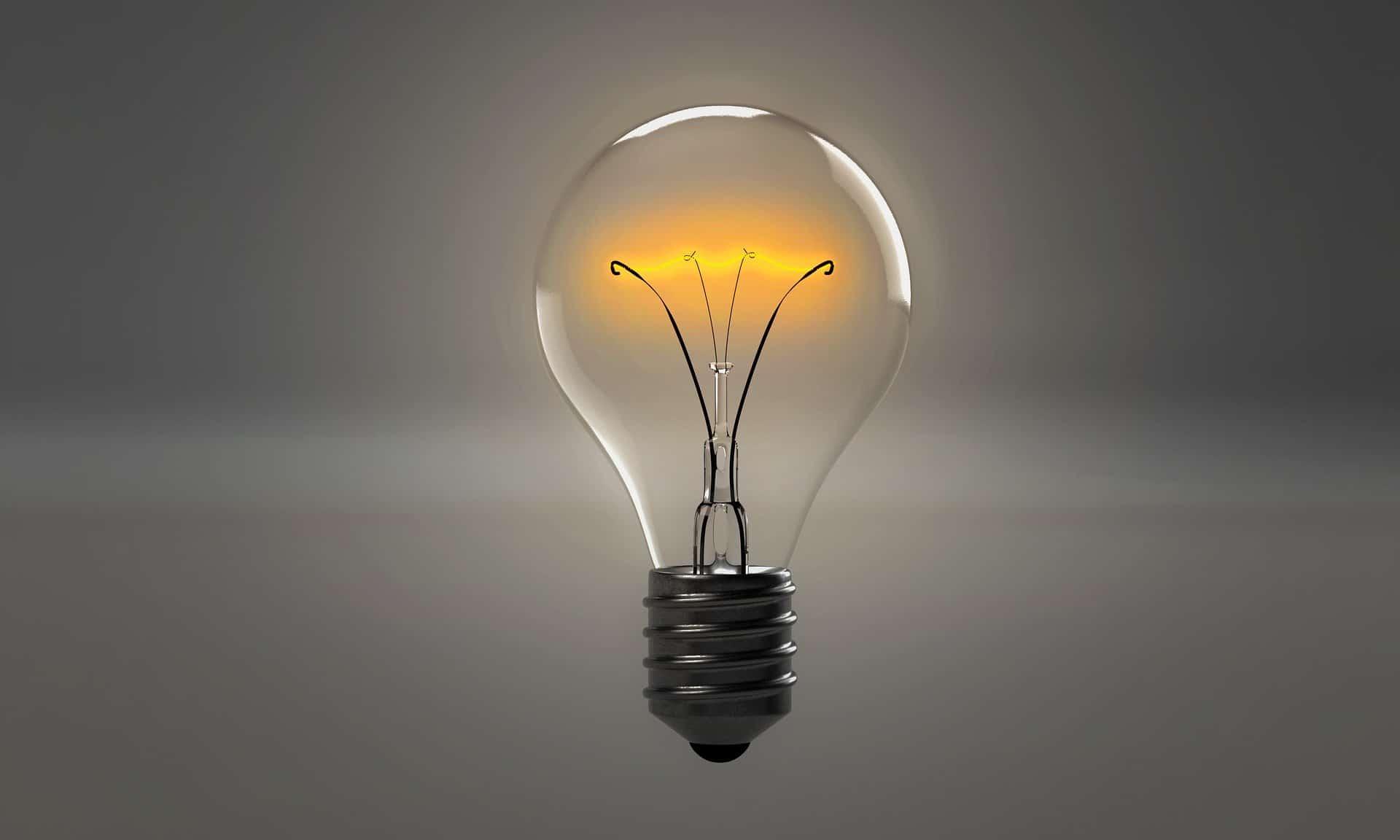 lightbulb-1875247_1920-pixabay